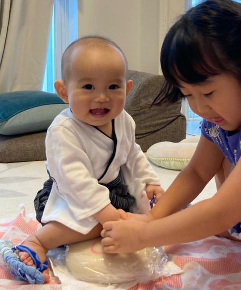 一升餅(誕生餅)でお誕生祝いされた 大月 総一郎ちゃん のカワイイお写真