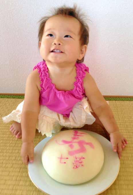 一升餅でお祝いされたカワイイお写真(20)